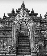 Портал храма Боробудур (ок. 800 г.)